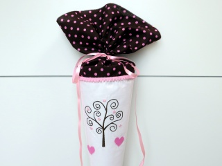 Schultüte aus Stoff Bäumchen in braun, rosa und weiß Zuckertüte für Mädchen
