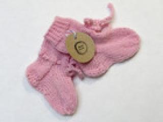 Handgestrickte Wollsocken in 8cm Länge für Frühchen in rosa Baby