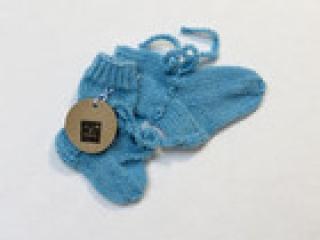 Handgestrickte Wollsocken in 9cm Länge für Frühchen in hellblau Baby