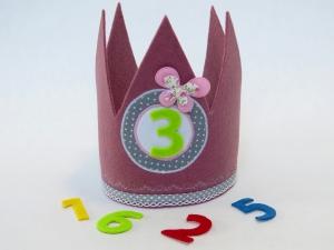 Süße Geburtstagskrone Krone für Mädchen in altrosa und hellgrau mit Schmetterling