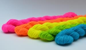 5 Midi Stränge á 20 gramm - Neon - ideal für farbige Sockenbündchen, Fersen...