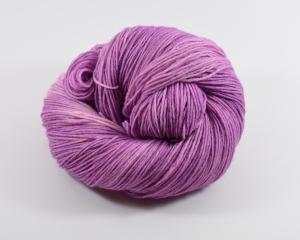 150 g Merino Sockyarn Base -  6 fädige Sockenwolle - handgefärbt - LL420 Meter -  Color: Old Pink No. 03 - Handarbeit kaufen