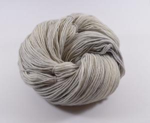 150 g Merino Sockyarn Base -  6 fädige Sockenwolle - handgefärbt - LL420 Meter -  Color: Silver Fox - Handarbeit kaufen