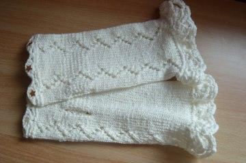 Handgestrickte romantische weiße Armstulpen
