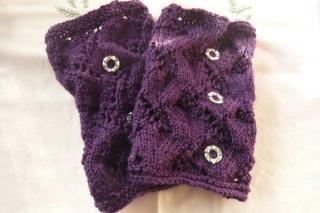 Handgestrickte tolle lila Armstulpen für Alle