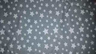 Baumwoll-Jersey Sterne auf Grau Jungsstoff, Kombistoff, Mädchenstoff, Kinderstoff