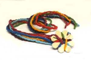 FilzWerk - Filzschnur - Flechtblumen-Paket 1 / Taschengurte,Textilschmuck oder Deko selber machen. Auch für Theraphie und Freizeit geeignet - Handarbeit kaufen