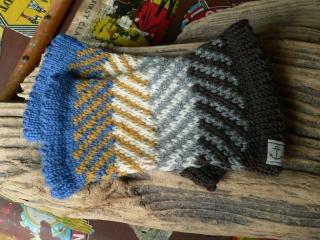 Pulswärmer aus Wolle mit Fischgradmuster, handgestrickt (Kopie id: 100088542)