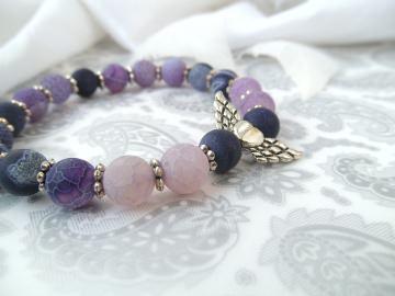 Handgemachtes Armband mit Schutzengel lila Achat