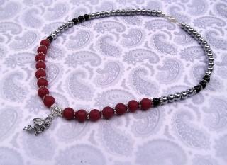 Handgemachte Halskette mit Drache und Hämatit