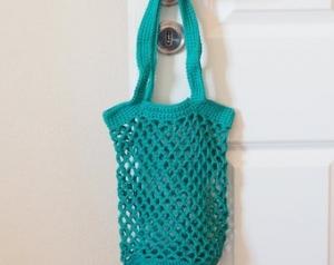 Häkeltasche Einkaufstasche Einkaufsnetz in grün aus Baumwolle mit Schulterriemen gehäkelt - Handarbeit kaufen