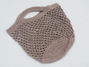 kleine Häkeltasche in hellbraun aus hochwertiger Baumwolle mit Tragegriff von Hand gehäkelt - Handarbeit kaufen