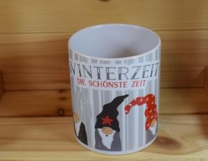 Wichtel in rot - Winterzeit - Tasse mit Sublimationsdruck