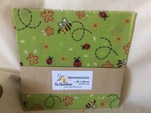 Bienenwachstuch Bienen und Marienkäfer grün 100% Bienenwachs und Baumwolle