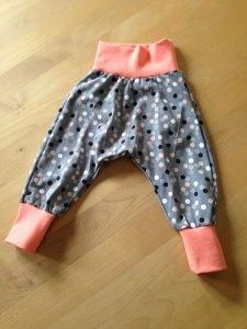 Babyhose / Pumphose   Gr. 74 - 98    -grau mit Punkten-