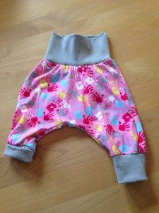Babyhose / Pumphose  Gr. 56-68   rosa mit bunten Händchen