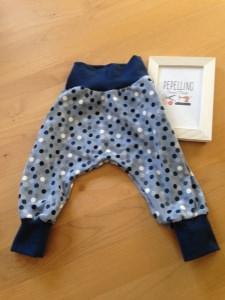 Babyhose / Pumphose  Gr. 56 -68   mit Punkten  -blau-