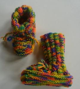 ♥Babystick Schuhe handgestrickt mit einer Sohllänge von 10 cm♡