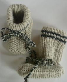 ♥Baby-Stick Schuhe handgestrickt mit einer Sohllänge von 9,5 cm♡
