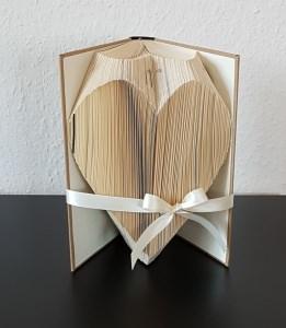 Herz - gefaltetes Buch, Buchkunst, Shabby, Geburtstag