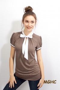 Shirt PAN 06 in taupe zuckersüsse  Schluppen Blusenshirt im Tupfen Style aus Viscose Jersey in Gr. XS-XL bestellen♥︎