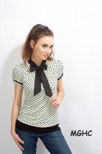 Shirt PAN 09 in hellgrün schwarze Punkte zuckersüsse  Schluppen Blusenshirt im Punktestyle aus Viscose Jersey in Gr. XS-XL bestellen♥︎