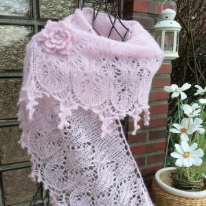 Lacetuch *ROMANCE*   gestricktes Schultertuch in rosa