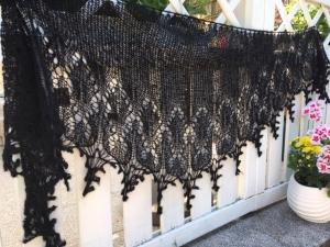 Lacetuch *ROMANCE* in schwarz /oder mit Farbwahl / gestricktes Schultertuch
