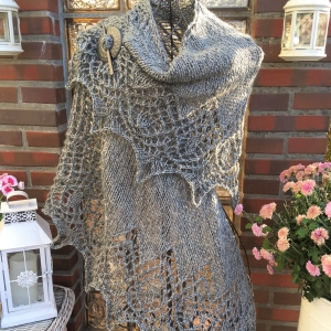 Lacetuch *FROSTY* dickes gestricktes Schultertuch in graphit