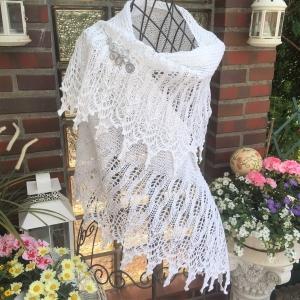 Lacetuch *LARISSA* Brautstola, gestricktes Schultertuch in weiß  Baumwolle