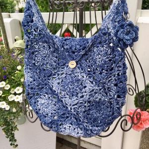 Umhängetasche *JEANS* in blautönen gehäkelt  Handtasche