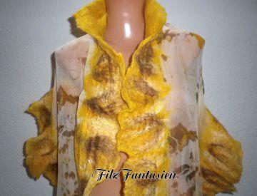 Handgefärbter Nunofilzschal mit Rüschen, Seidenschal, Filzschal in Gelb