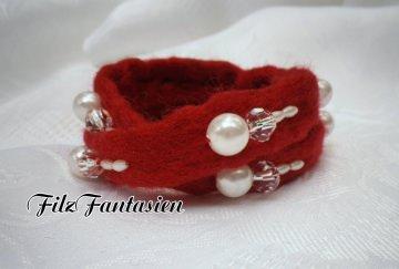 Wickelarmband, Armband, Filzarmband in Rot, gefilztes Armband mit Perlen bestickt