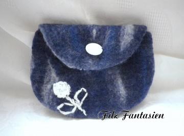 Tasche, Gürteltasche, Filztasche,  gefilztesTäschchen in Blau-weiß