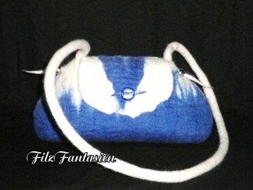 Handtasche, Filztasche, Tasche, Abendtasche, Schultertasche in Blau-Weiß