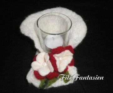 Windlicht aus Filz mit Blüten, gefilzter Teelichthalter in Weiß und Rot