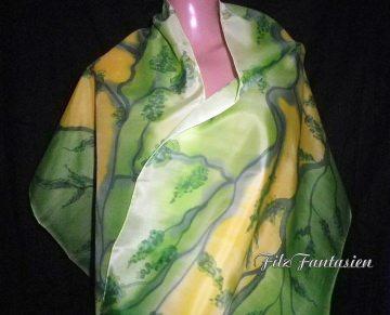 Handbemalter Seidenschal, Halstuch, Schal, Seidentuch in Grün und Gelb