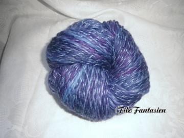 Handgesponnene, handgefärbte Wolle mit Farbverlauf, 122g Merinowolle
