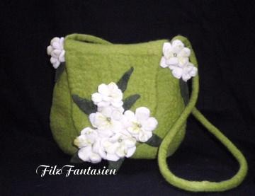 Handtasche, Filztasche, Tasche, Abendtasche, Schultertasche mit Perlen und Filzblüten