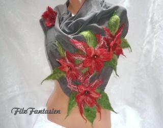 Nunofilzschal, Seidenschal, befilzter Schal, Filzschal mit Blüten und Blättern, Seidentuch, Halstuch