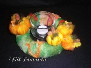 Gefilzter Kürbis-Kranz mit Windlicht, Teelichthalter, Tischkranz, Halloween-Kranz, Herbstdekoration