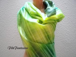Handbemaltes, großes Seidentuch, Tuch in Streifenoptik, Pareo in Grün und Gelb