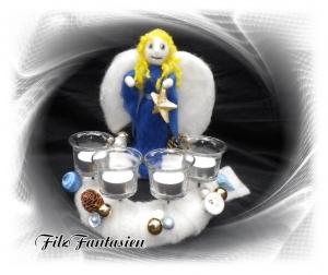 Gefilzter Adventskranz mit Engel, Tischkranz, Weihnachten, Weihnachtskranz, Adventsdekoration, Kranz, Filzkranz, Filzfigur