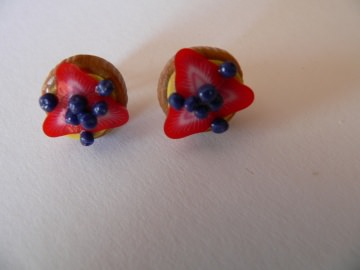 Ohrstecker Mini Obst Törtchen Erdbeer Ohrringe Ohrschmuck Fimo  - Handarbeit kaufen