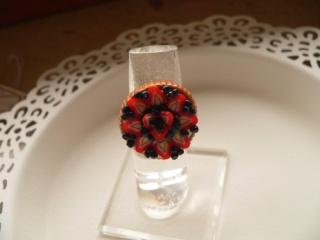 Ring Obsttorte modelliert aus Fimo belegter Tortenboden Candyschmuck aus Polymer Clay