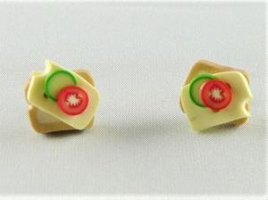 Ohrstecker Käse Toast  Ohrringe Ohrschmuck handmodelliert Fimo  - Handarbeit kaufen