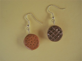 Ohrhänger Keks mit Schokolade Ohrringe aus Fimo handmodelliert    - Handarbeit kaufen