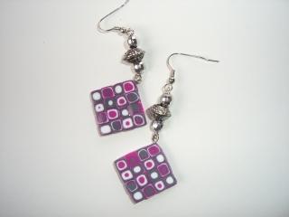 Ohrhänger Klimtstyle aus handmodellierten Perlen in grau pink weiß Fimo Polymer clay Ohrschmuck