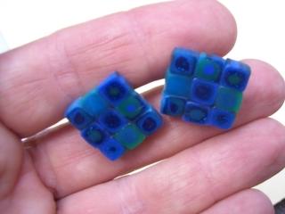 Ohrstecker Klimtstyle aus handmodellierten Perlen in blau und grün Fimo Polymer clay