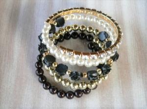 Armband Spiralarmband Wickelarmband mit verschiedenen Perlen  in schwarz gold creme